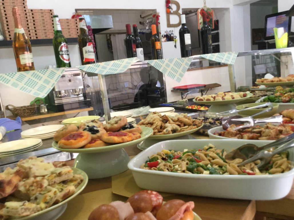 Pizzeria bezzicheria roma le proposte oggispendo - Pizzeria le finestre roma ...