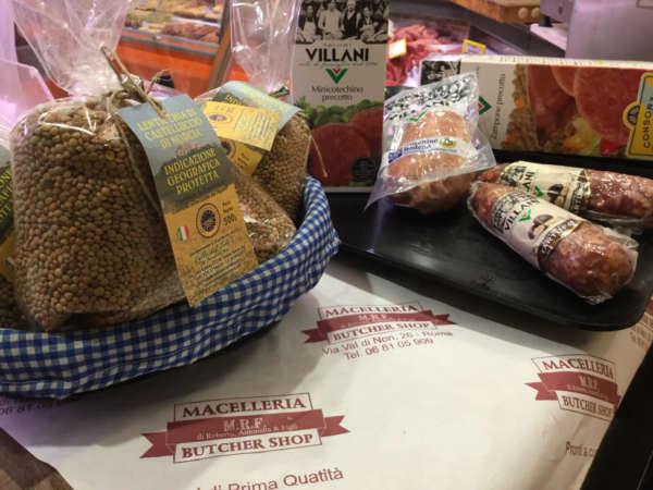 preparazione-lenticchie-di-castelluccio-di-norcia-macelleria-butcher-shop